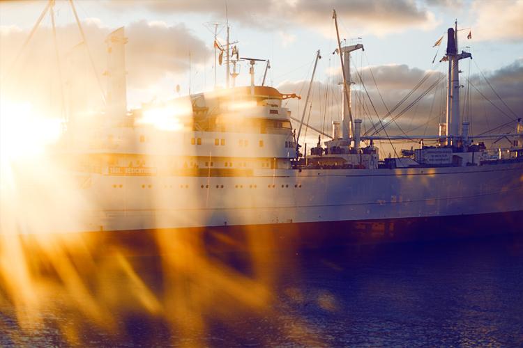 lexpop_alexander_trattler_sunset_boat_hh